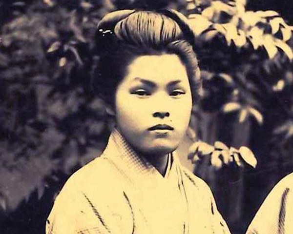 「愛弟子」井上秀にとっての浅子